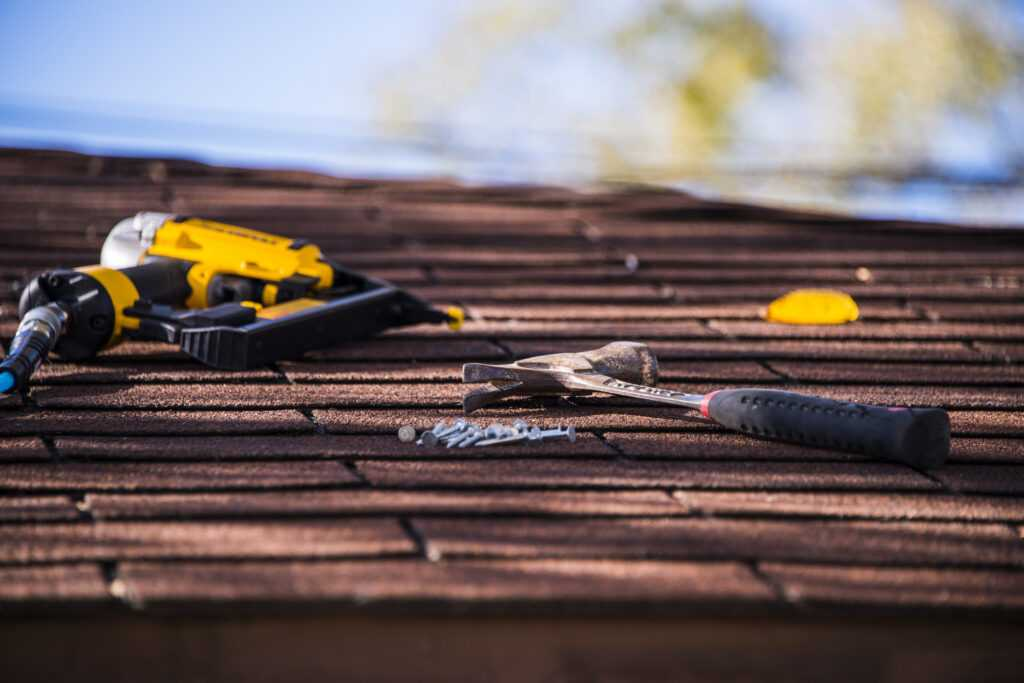 how to repair a roof
